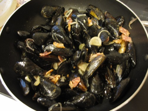 bacon shallots mussels