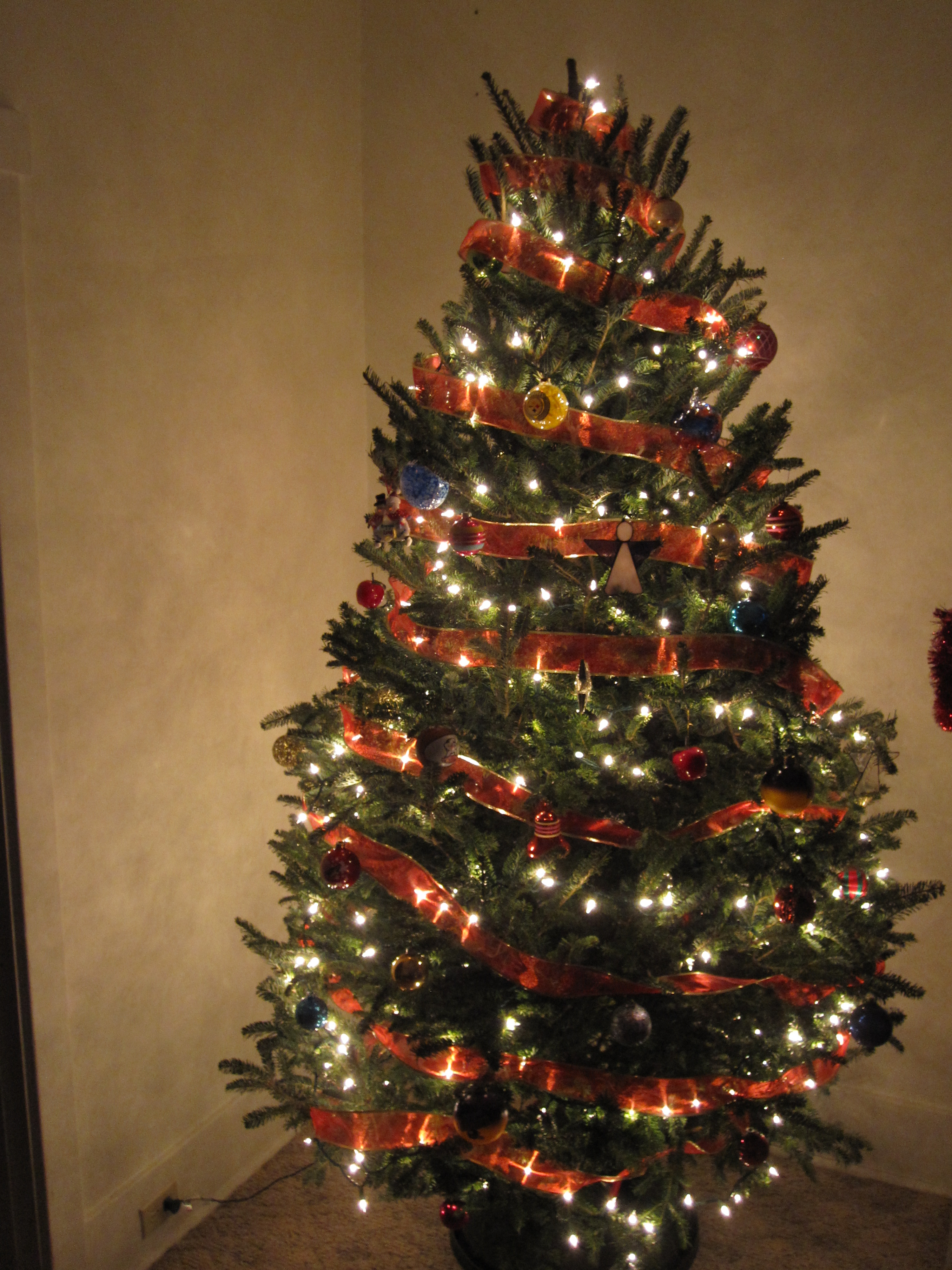 Sharing our tree with the world i am a big fan of real trees and we
